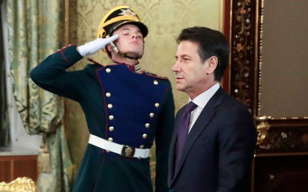 Κόντε: Ισχυρή και σταθερή η ιταλική οικονομία. Σαλβίνι: Δεν αλλάζουμε ούτε κόμμα στον