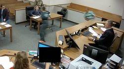 Angeklagte wollen aus Gericht flüchten – dann zeigt der Richter, was er drauf