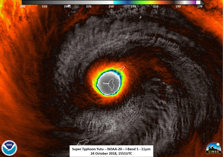 """El súper tifón Yutu se estrella contra las Islas Marianas del Norte con vientos """"horripilantes"""""""