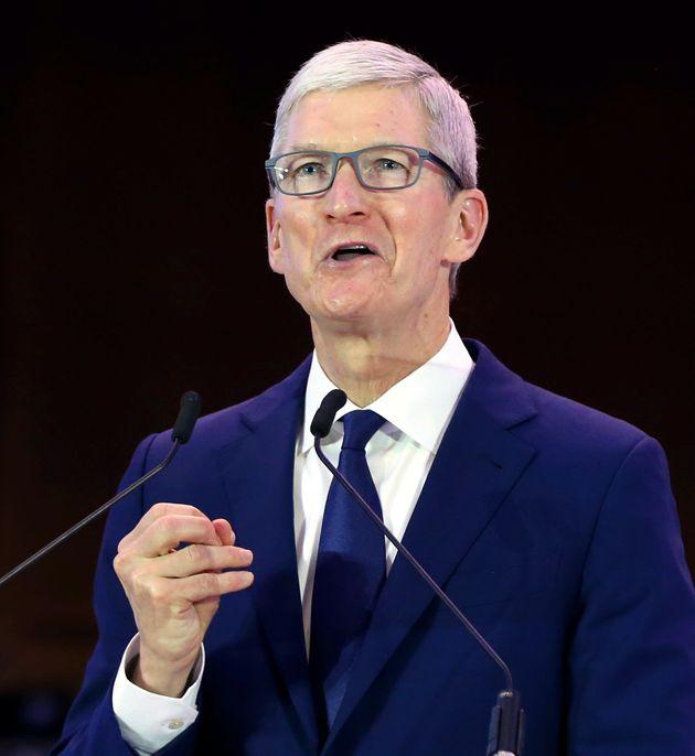 애플 CEO 팀쿡이 게이로 사는 건 '신'의 가장 위대한 선물이라고