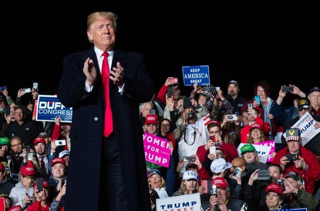 '폭발물 소포' 배달 사건을 규탄한 트럼프가 언론에도 책임이 있다고