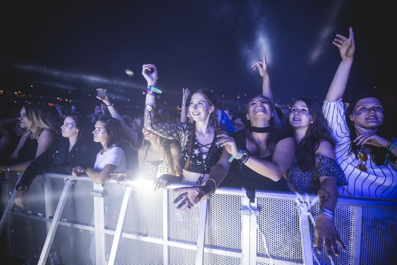 HuffPost Weekend: Από το αφιέρωμα στον Μάνο Ελευθερίου και τους Deep Purple μέχρι τη