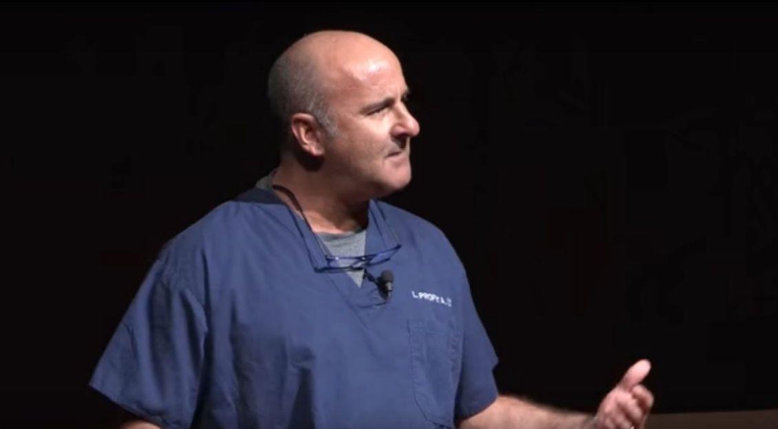 Arzt verrät: Darum besuche ich die Facebook-Profile meiner verstorbenen