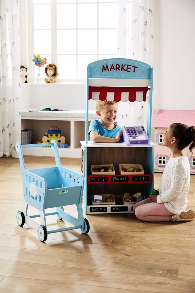 aldi opens christmas toy shop and predicts wooden kitchen. Black Bedroom Furniture Sets. Home Design Ideas