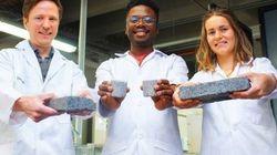 Σπίτια από...ανθρώπινα ούρα: Φοιτητές έφτιαξαν το πρώτο τούβλο από