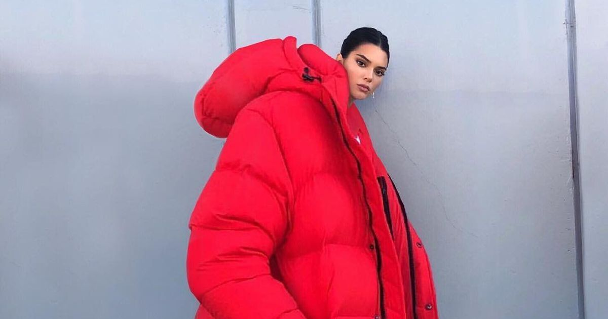 6a0c384d8 Kendall Jenner In A Giant Coat Has Become The First Meme Of Winter ...