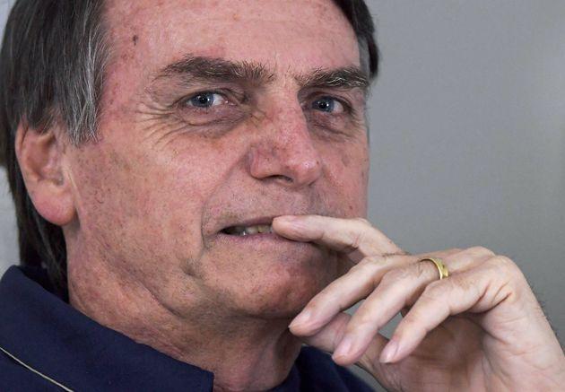 브라질 극우 대선후보 보우소나루가 '톤 조절'에