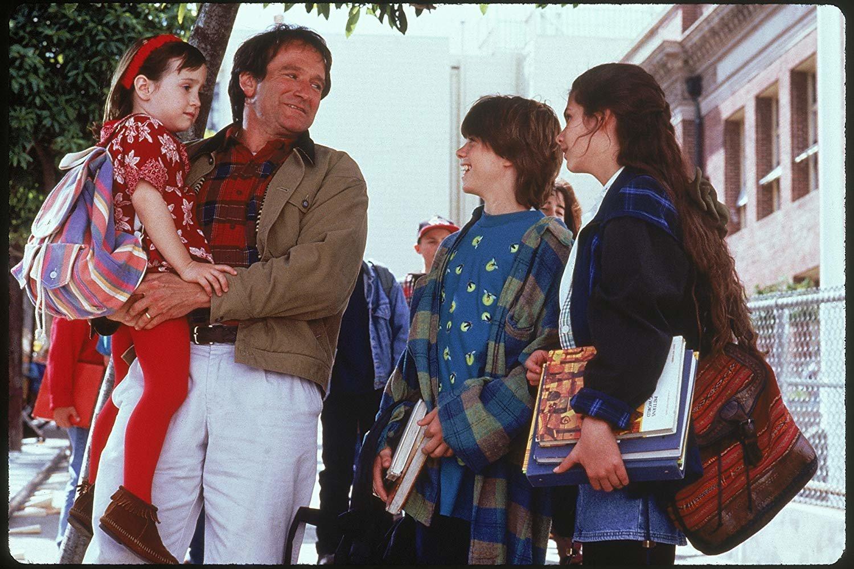 왼쪽부터 마라 윌슨, 로빈 윌리엄스, 매튜 로렌스, 리사 제이컵.