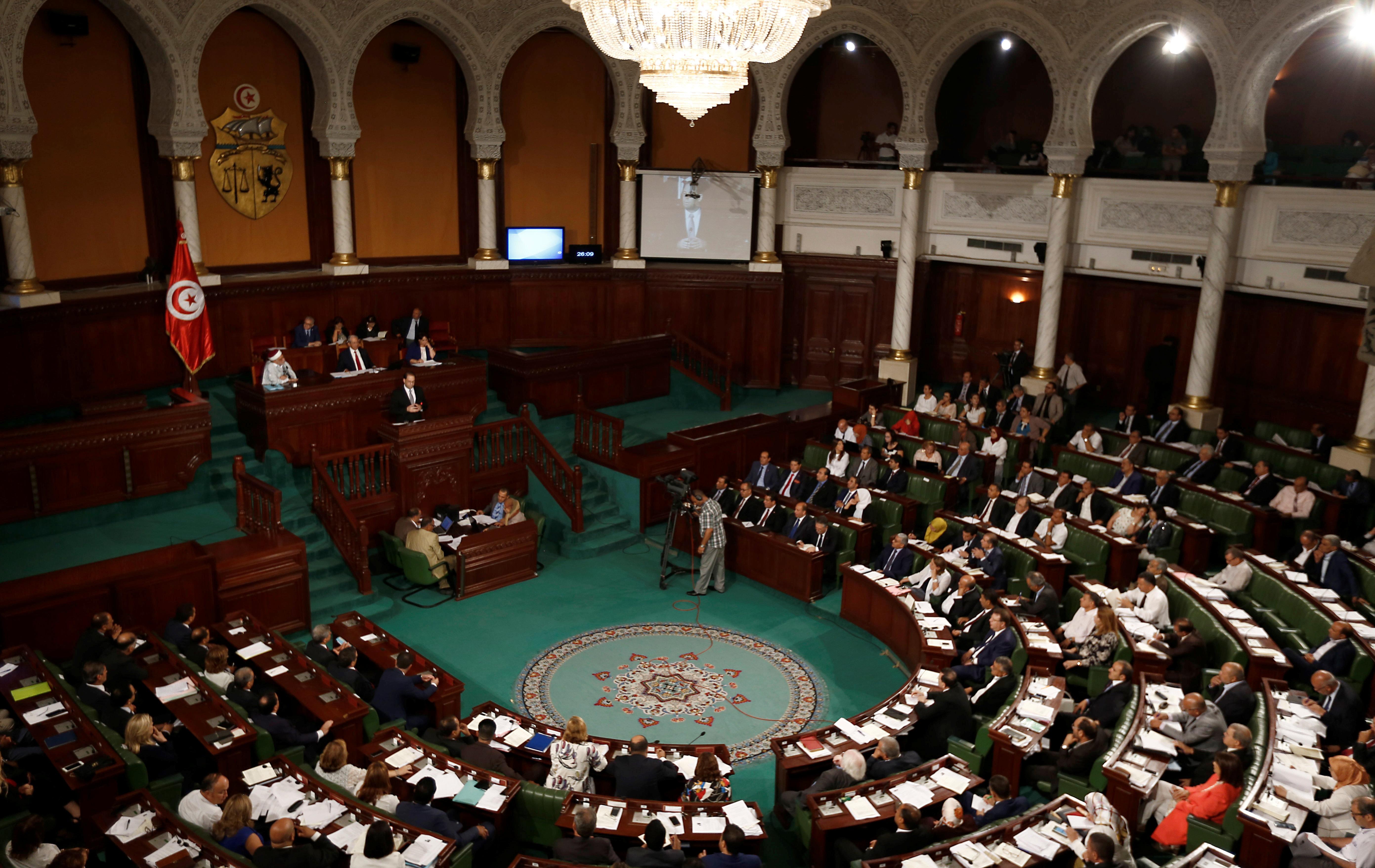 La coalition nationale et Machrou Tounes exigent la fin du mandat de