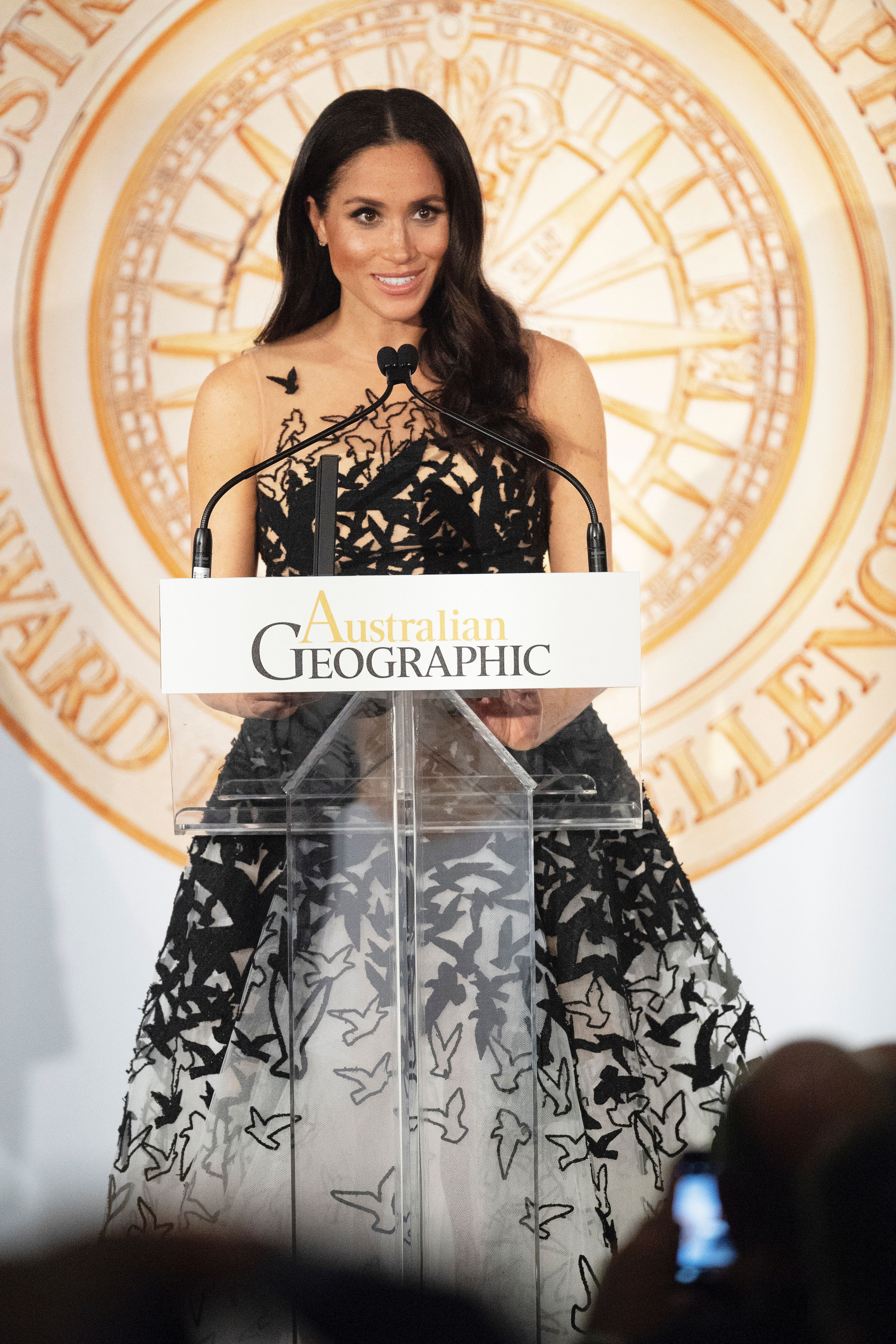 SYDNEY, AUSTRALIA - OCTOBER 26: Meghan, Duchess of Sussex  attends  the Australian Geographic Society Awards to present youth awards to honour the highest achievements in conservation and adventure at the Grand Ballroom, Shangri-La Hotel in Sydney on October 26, 2018.  Prince Harry and his wife Meghan are on day 11 of their 16-day tour of Australia and the South Pacific. (Photo by Paul Edwards - Pool/Getty Images)