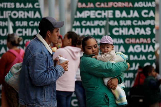 Μεξικό: Περίπου 2.300 παιδιά στο καραβάνι των μεταναστών χρειάζονται ιατροφαρμακευτική