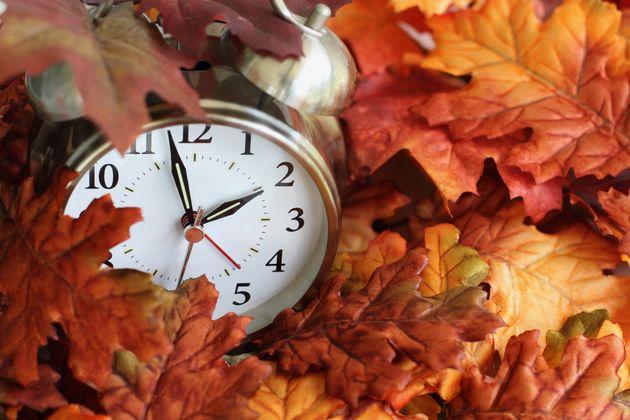 Τα ξημερώματα της Κυριακής γυρνάμε τα ρολόγια μας μια ώρα