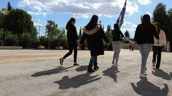 Το ελληνικό σχολείο κάνει ακόμα βήμα: «Περνάει το σχολειό, της Ελλάδος φρουρός»;
