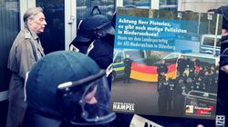 AfD-Mann schwärmt für angeblich patriotische Polizei –die wehrt sich