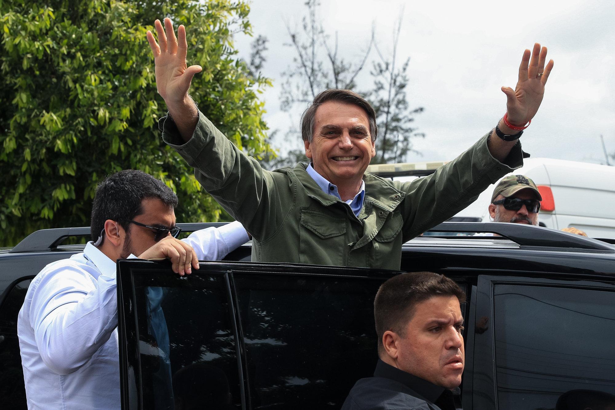 Rechtspopulist Bolsonaro gewinnt Wahl in