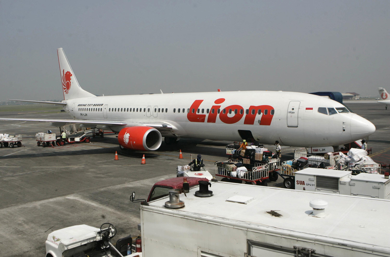 인도네시아 항공기, 자카르타 이륙 직후