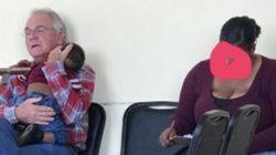모르는 이의 잠든 아이를 안고 있는 남성 사진이 인터넷에서 빵 터진