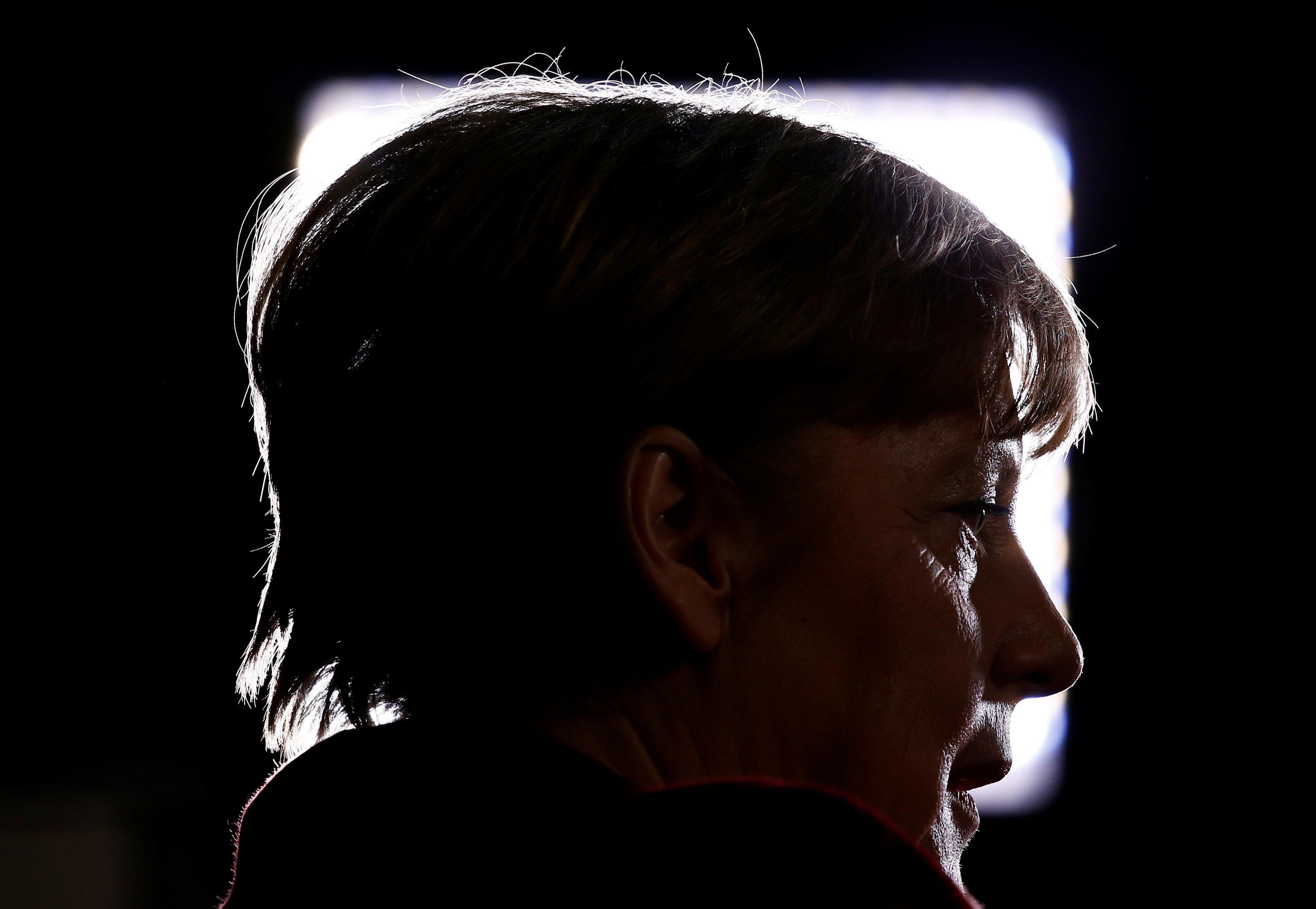 Οι 9 μνηστήρες για τη θέση της Μέρκελ: τρεις γυναίκες, ένας ομοφυλόφιλος και ένας που νομίζει ότι δεν...