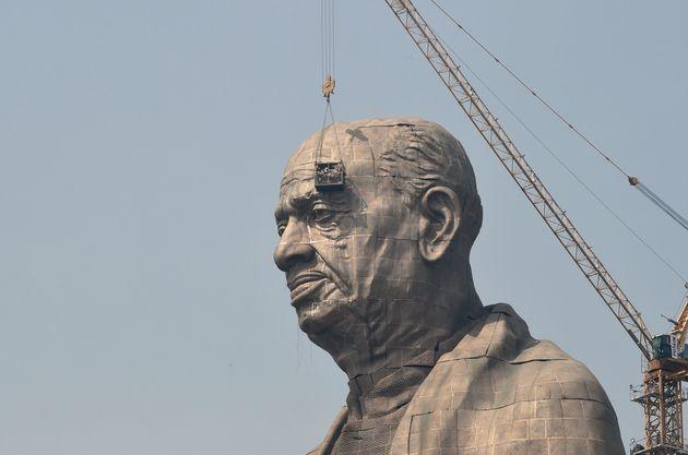 10월 31일, 세계에서 가장 높은 동상이 모습을