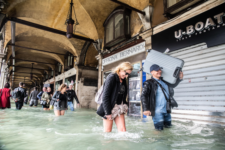 Η λιμνοθάλασσα «φούσκωσε» και η Βενετία πλημμύρισε