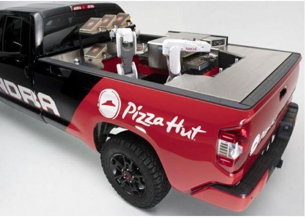 Φορτηγάκι που φτιάχνει πίτσες! Η καινοτομία αλυσίδας πίτσας που αλλάζει τα