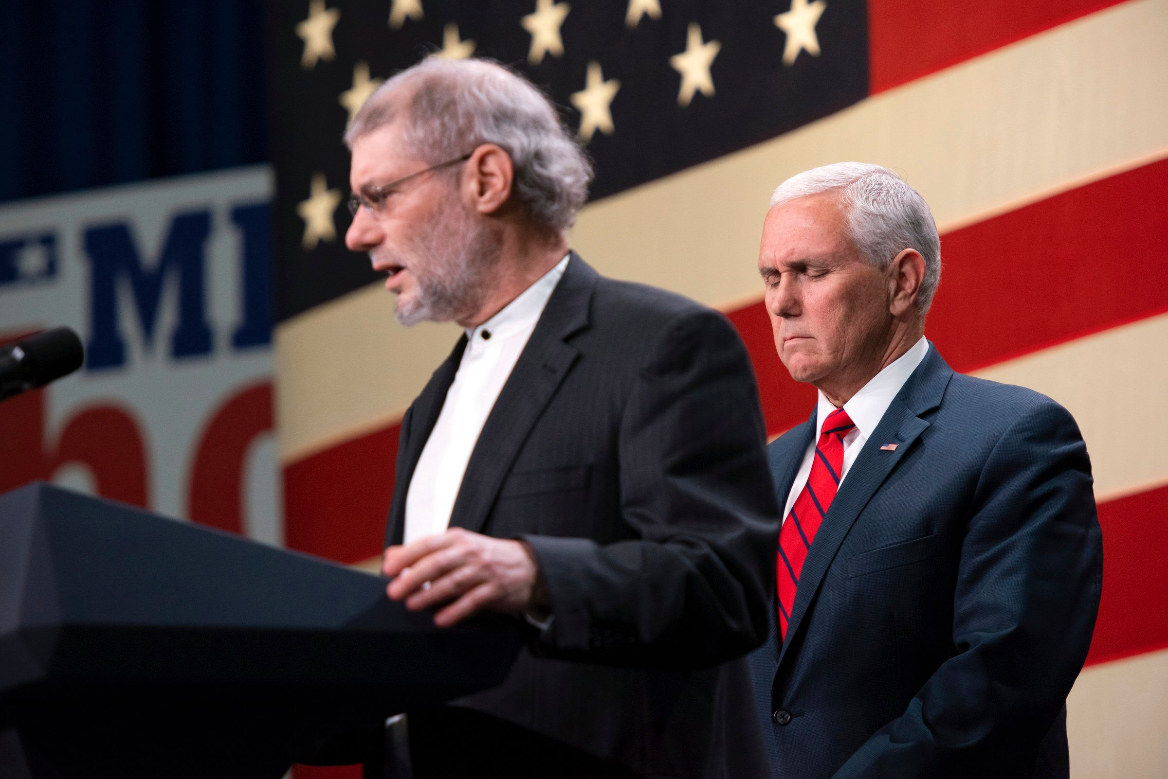 Messianic rabbi Loren Jacobs with Vice President Mike Pence.