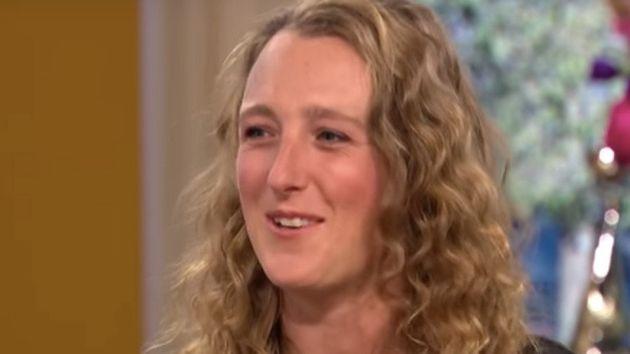 유령 20명과 섹스했다고 주장한 이 여성이 약혼자로 선택한 유령의