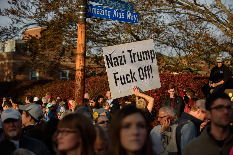Donald Trump's Pittsburgh Visit To Scene Of Synagogue Massacre Met With Angry