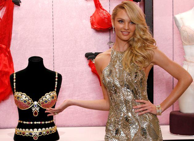 Γιατί οι πωλήτριες των Victoria's Secret αφήνουν τους πελάτες να κλέβουν ασύστολα σέξι