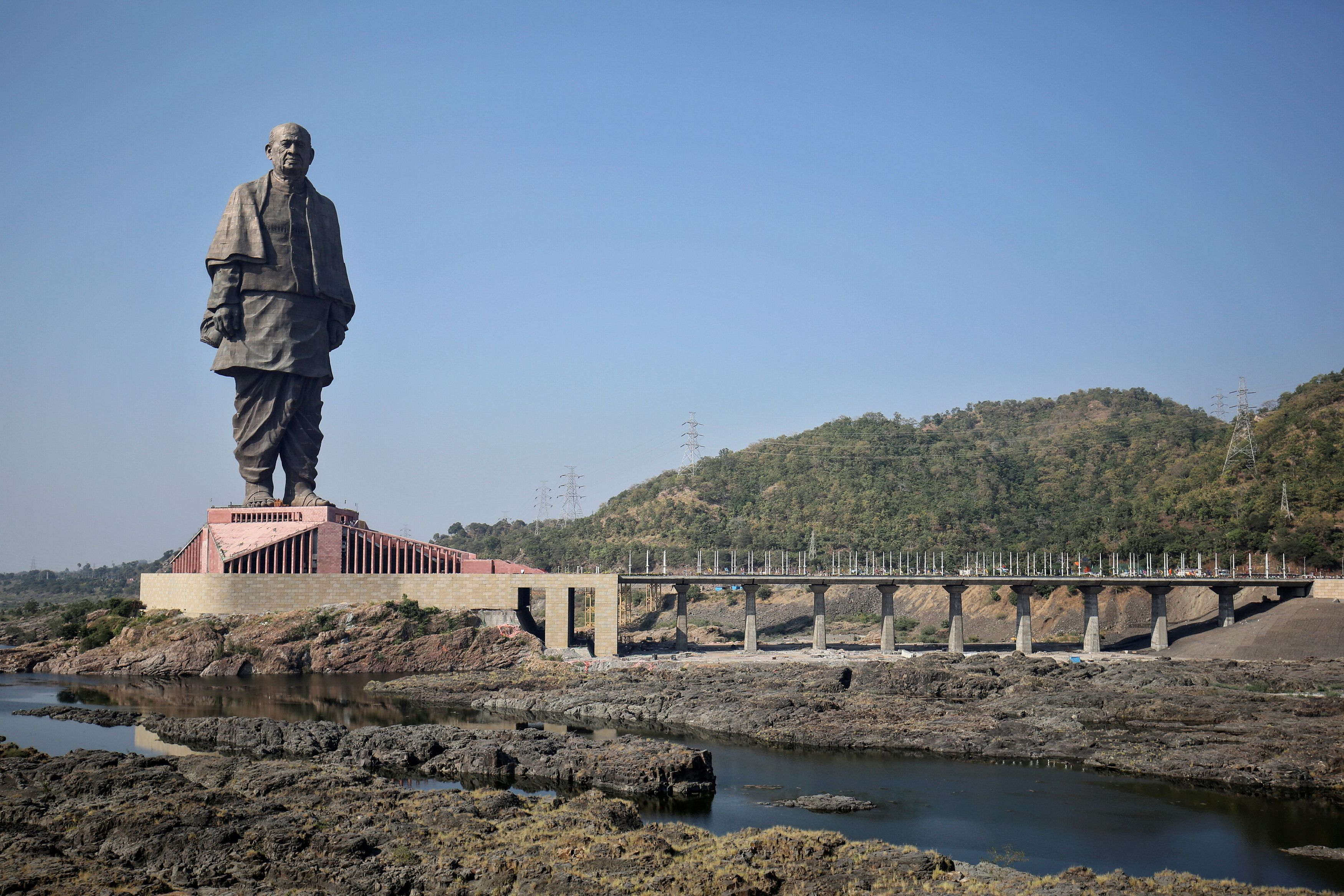 "General view of the ""Statue of Unity"" portraying Sardar Vallabhbhai Patel, one of the founding fathers of India, during its inauguration in Kevadia, in the western state of Gujarat, India, October 31, 2018. REUTERS/Amit Dave"