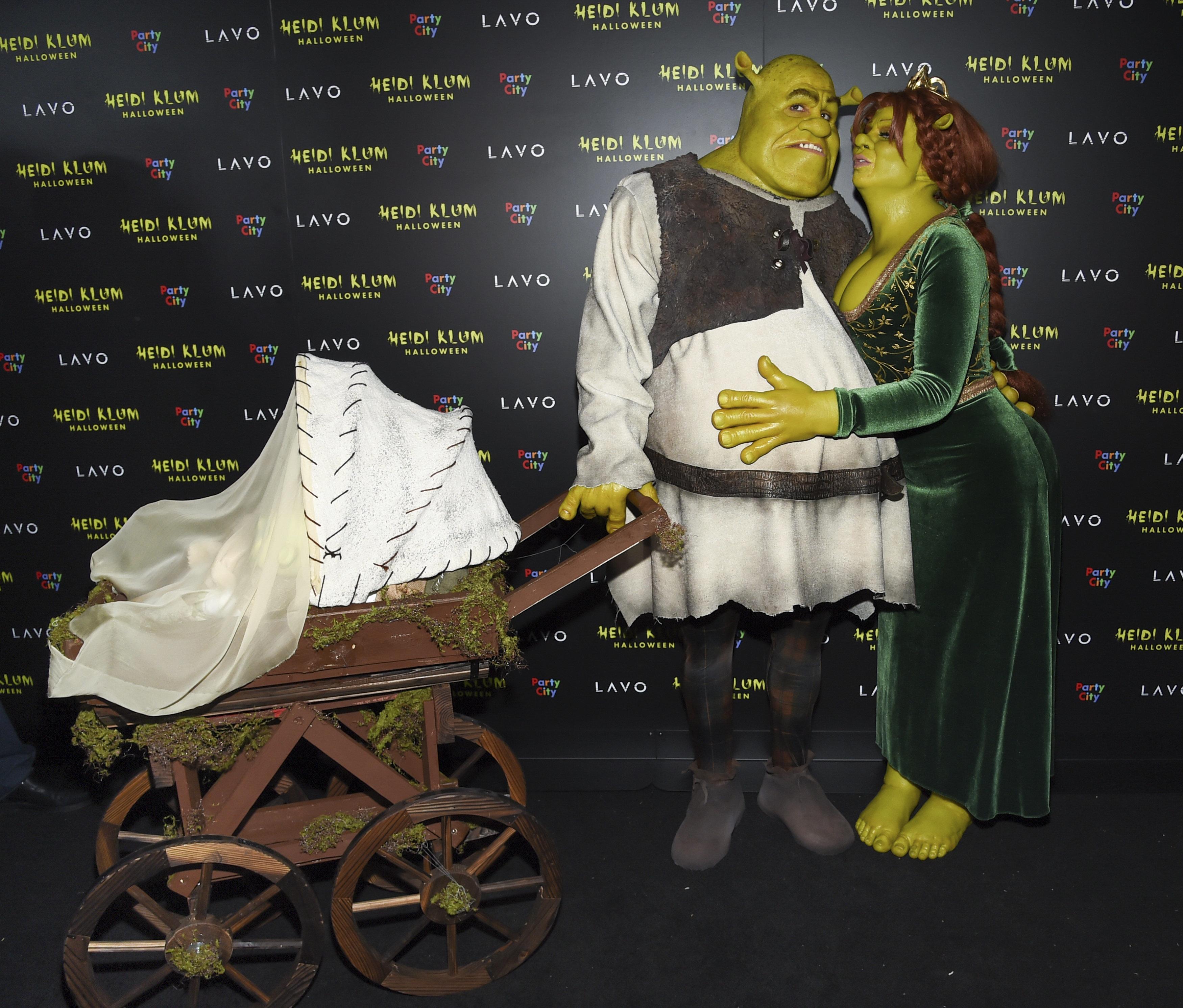 Heidi Klum und Toms Shrek-Outfit: Steckt hinter dem Kinderwagen eine
