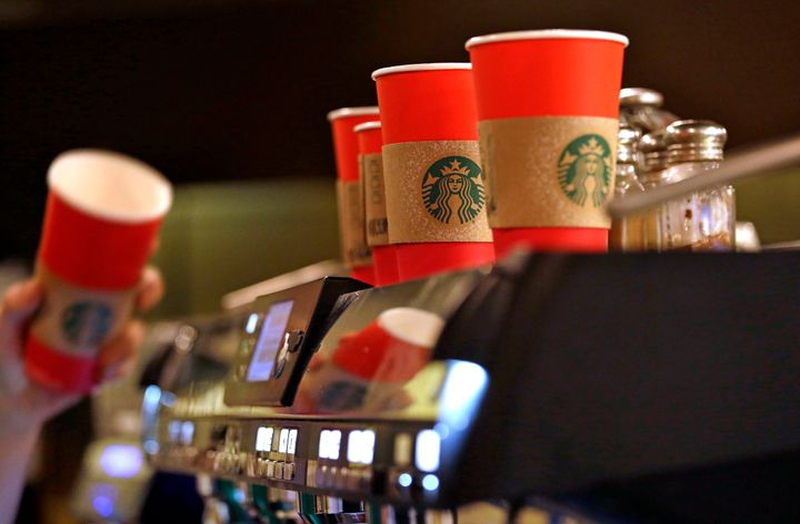 Starbucks Christmas Drinks 2018.Starbucks Christmas Drinks Menu For 2018 We Tried The New