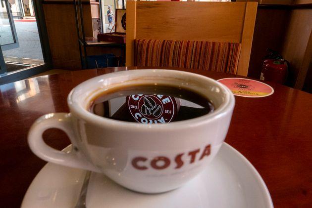 Αλυσίδα καφέ απαγόρευσε (επιλεκτικά) την καφεΐνη σε