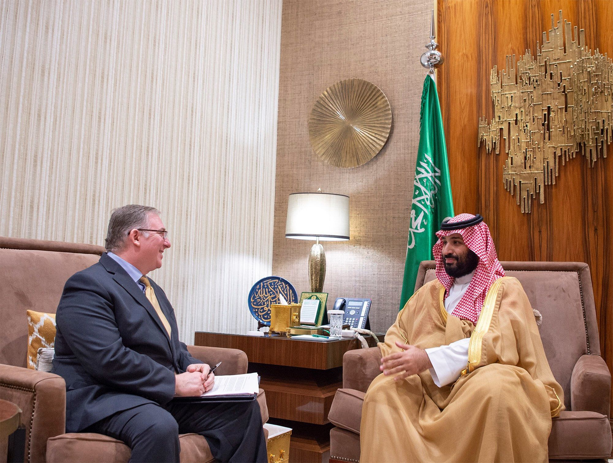 Saudi Crown Prince Mohammed bin Salmanin meets with a member of the delegation of American Evangelical Christian Leaders in Riyadh, Saudi Arabia November 1, 2018. Bandar Algaloud/Courtesy of Saudi Royal Court/Handout via REUTERS ATTENTION EDITORS - THIS PICTURE WAS PROVIDED BY A THIRD PARTY.
