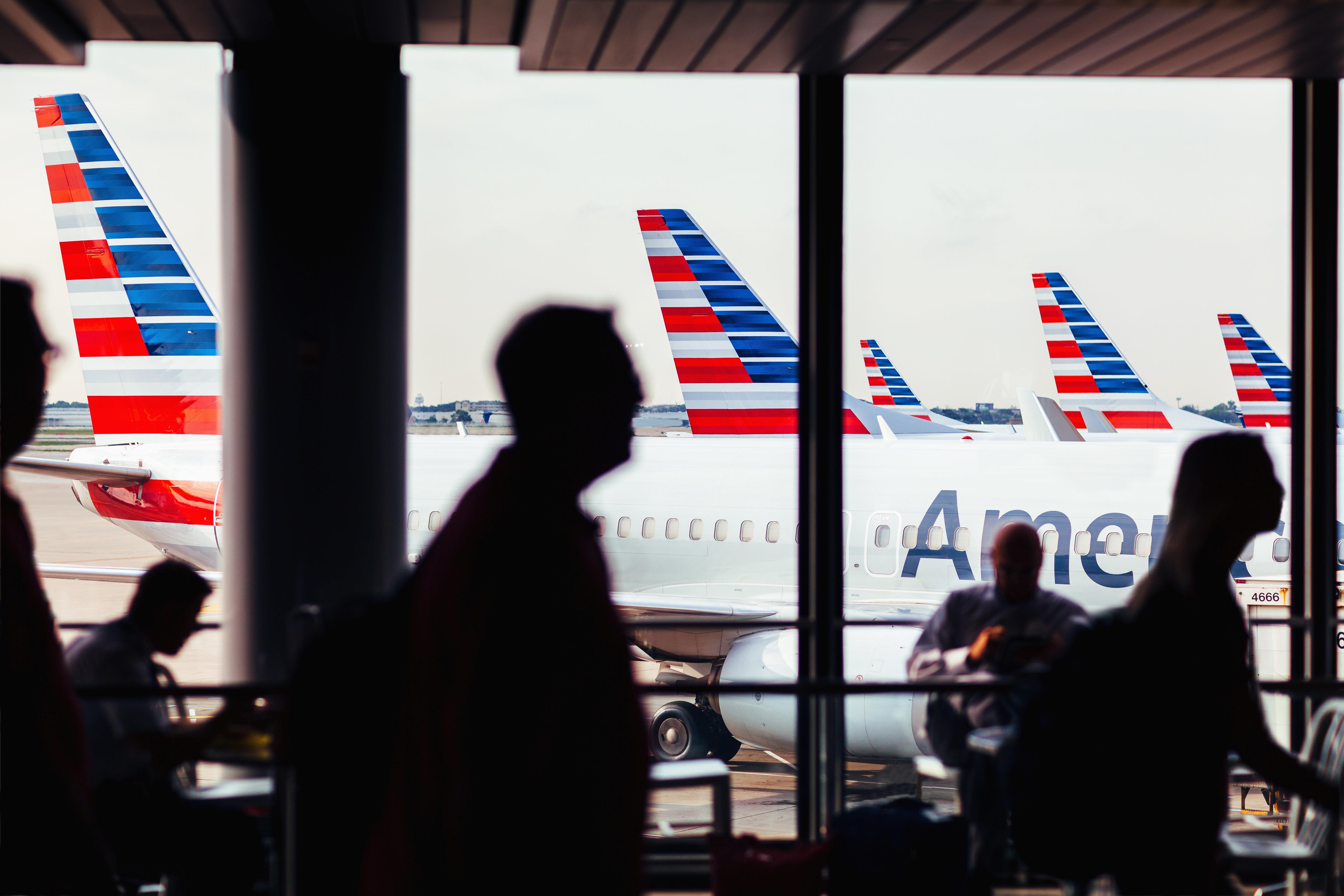 Frau wird auf Flug belästigt: American-Airlines-Mitarbeiter schreiten nicht