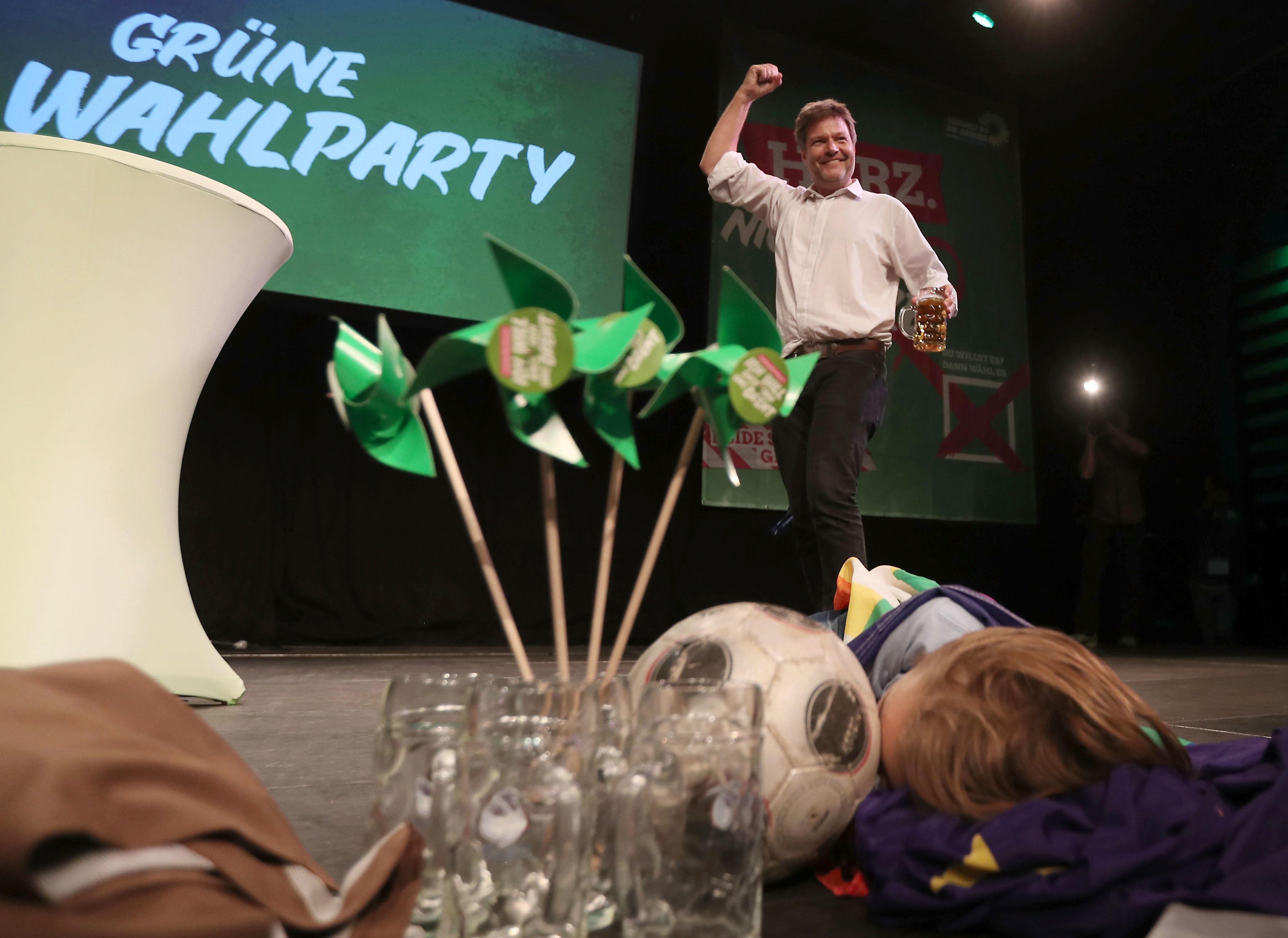 Diese Umfragen dürften die AfD ärgern: Union steigt, Grüne mit