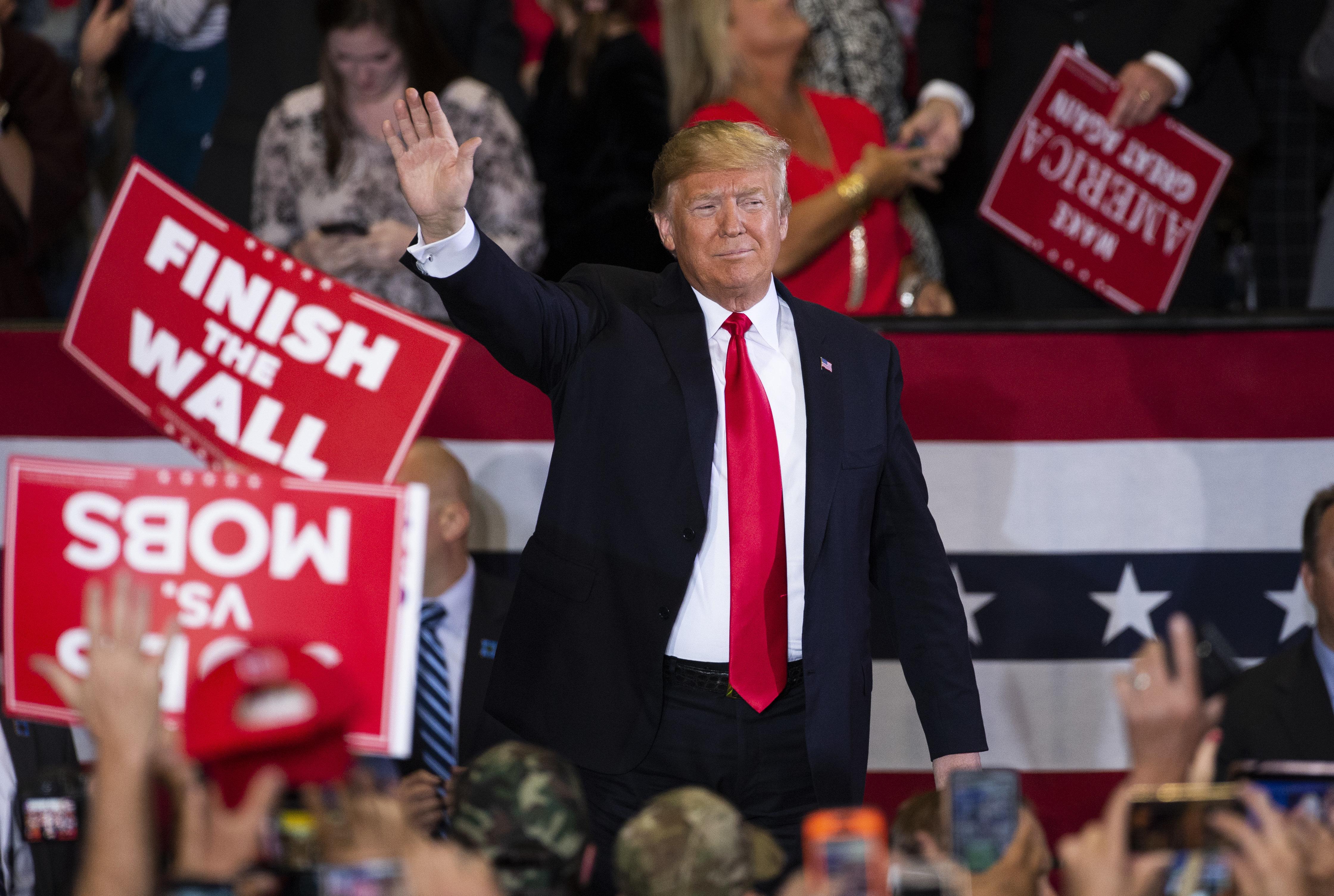 """Pour Trump, les États-Unis seront """"envahis"""" si les Républicains ne gagnent pas les Midterms"""