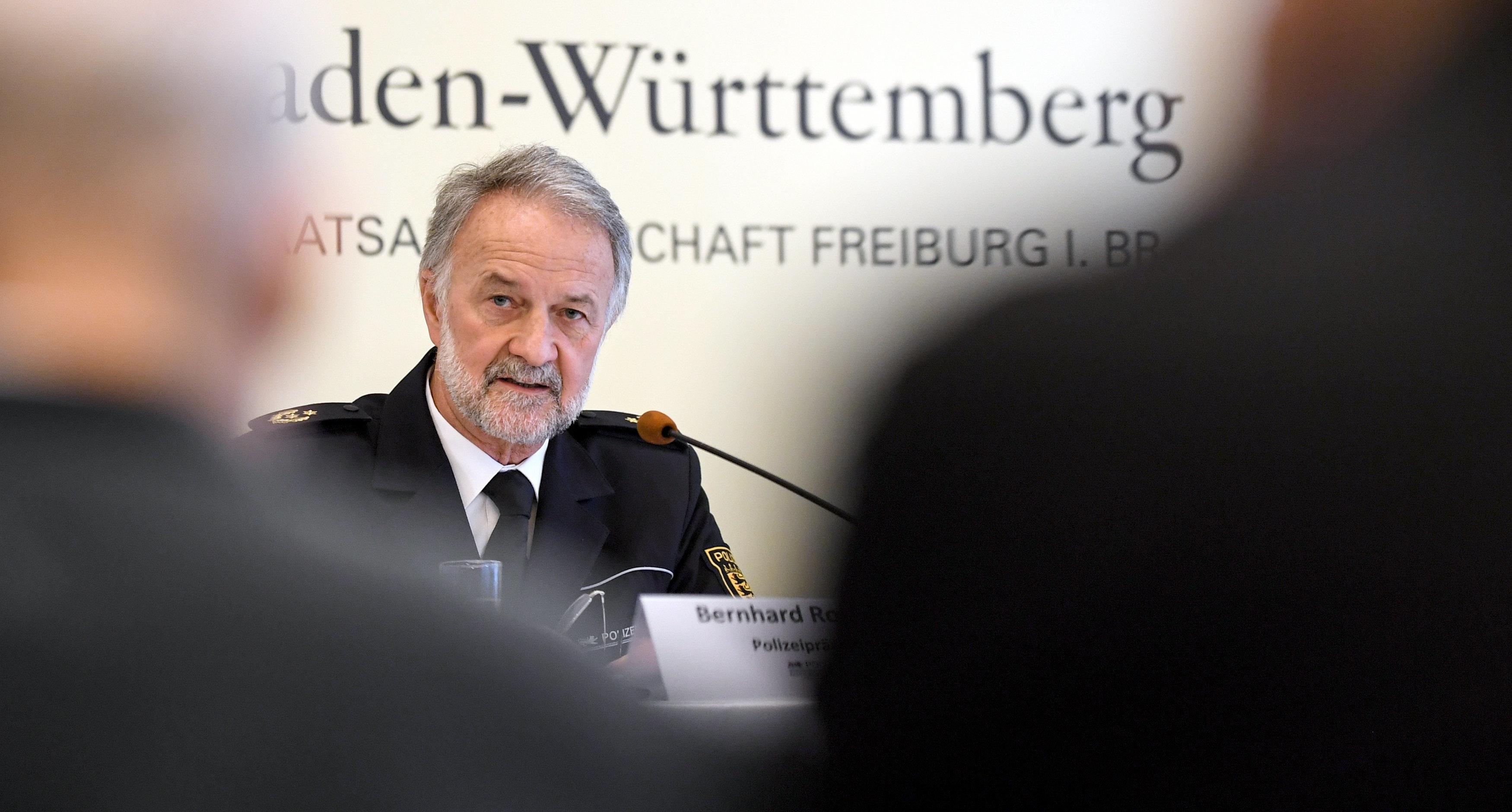 Nach Gruppenvergewaltigung in Freiburg: Ein Satz des Polizeipräsidenten sorgt für