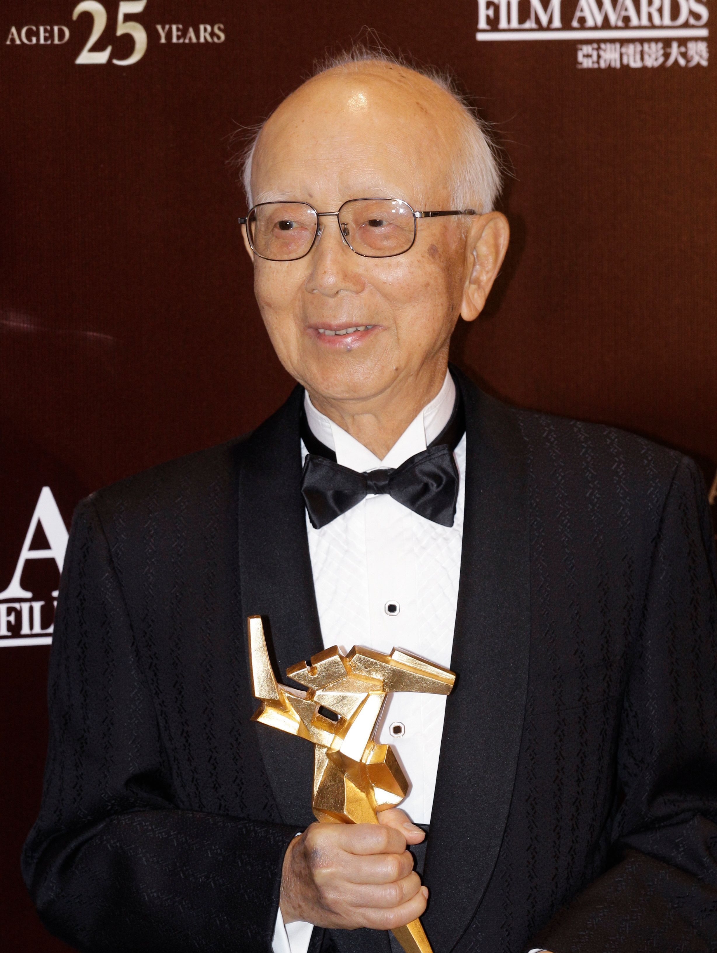 이소룡을 발굴한 홍콩의 전설적인 영화제작자가 세상을