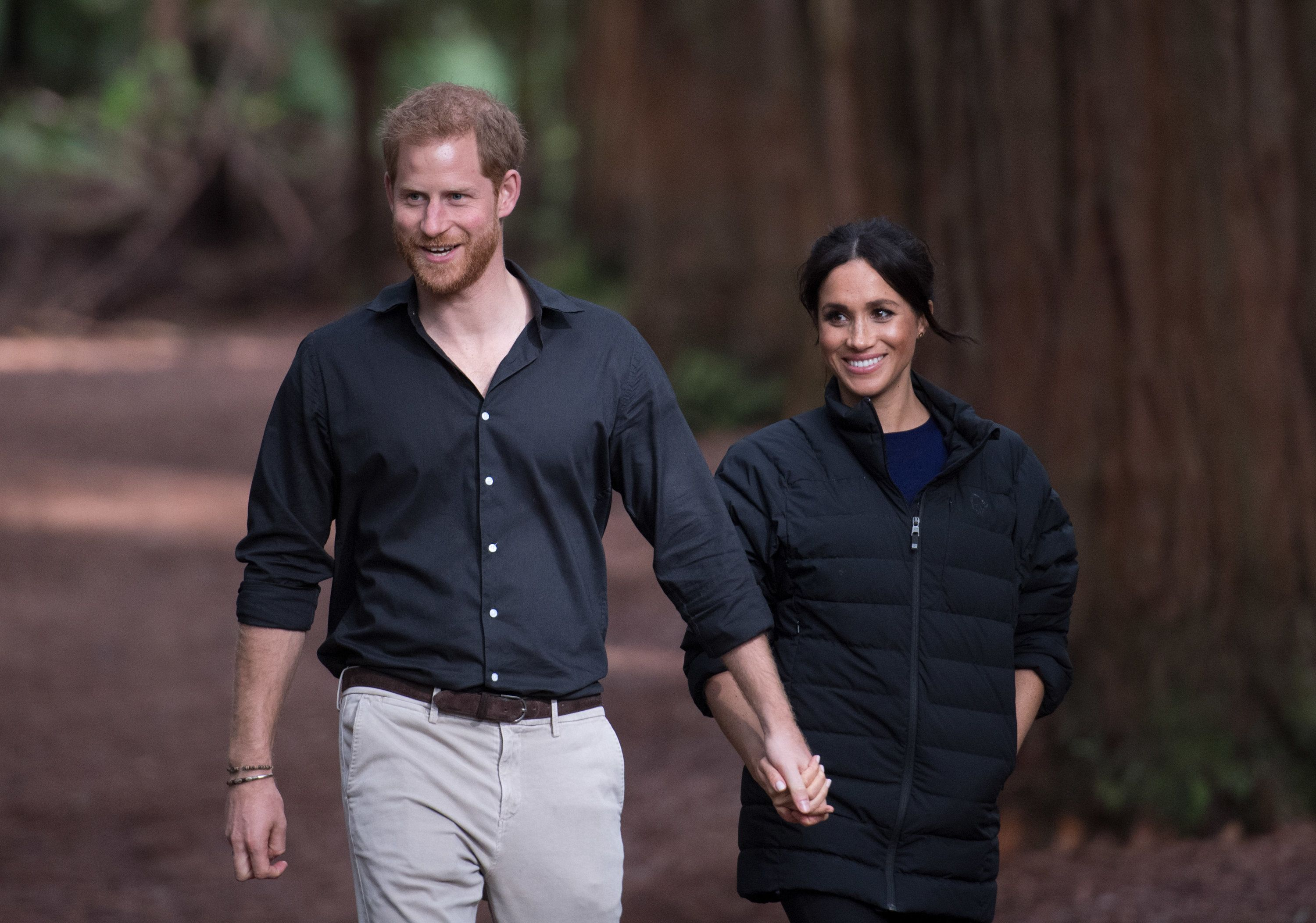 ROTORUA, NEW ZEALAND - OCTOBER 31:  (UK OUT FOR 28 DAYS) Prince Harry, Duke of Sussex and Meghan, Duchess of Sussex visit Redwoods Tree Walk on October 31, 2018 in Rotorua, New Zealand. The Duke and Duchess of Sussex are on their official 16-day Autumn tour visiting cities in Australia, Fiji, Tonga and New Zealand.  (Photo by Pool/Samir Hussein/WireImage)
