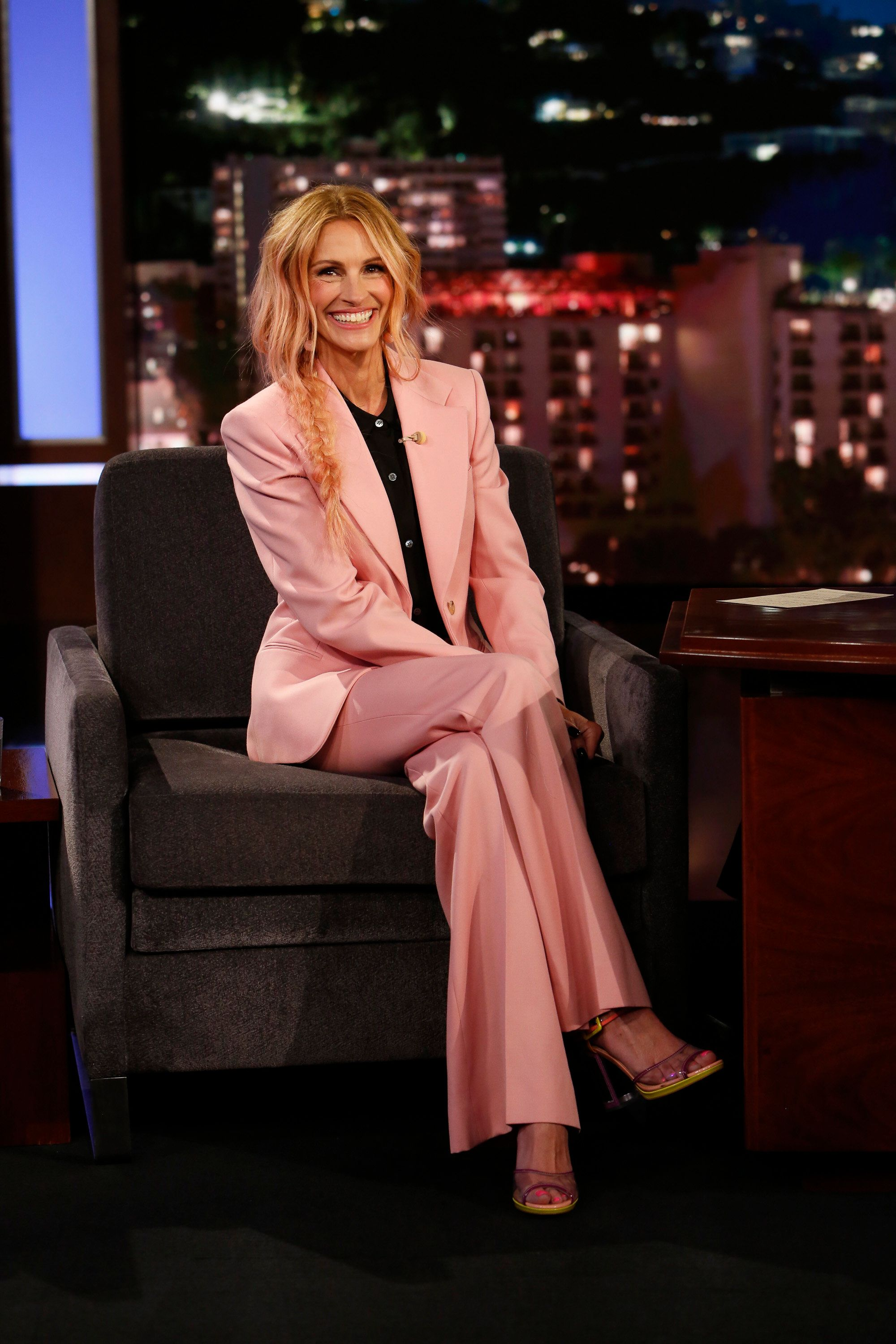 JIMMY KIMMEL LIVE! - 'Jimmy Kimmel Live!' airs every weeknight at 11:35 p.m. EDT and features a diverse lineup of guests that include celebrities, athletes, musical acts, comedians and human interest subjects, along with comedy bits and a house band. The guests for Thursday, November 1 included Julia Roberts ('Homecoming'), Science Bob, and musical guest Tenacious D. (Randy Holmes via Getty Images) JULIA ROBERTS