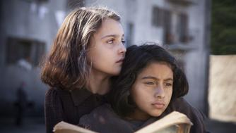 Elisa Del Genio and Ludovica Nasti, as Elena and Lila.