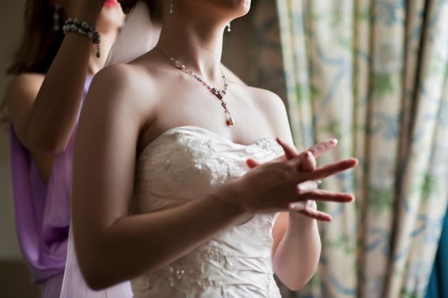 Brides and grooms reveal what they would change about theirweddings if they were doing it all over