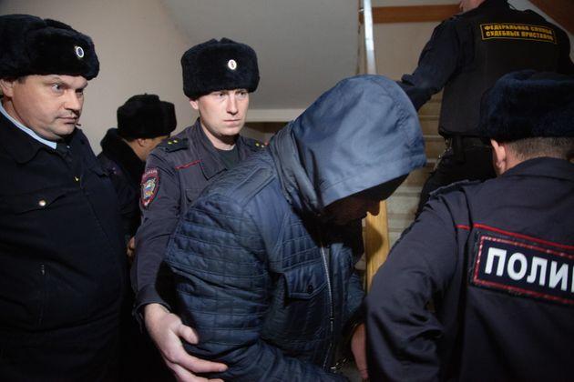 Σκάνδαλο στη ρωσική αστυνομία: Σύλληψη τριών αστυνομικών για τον βιασμό μιας συναδέλφου