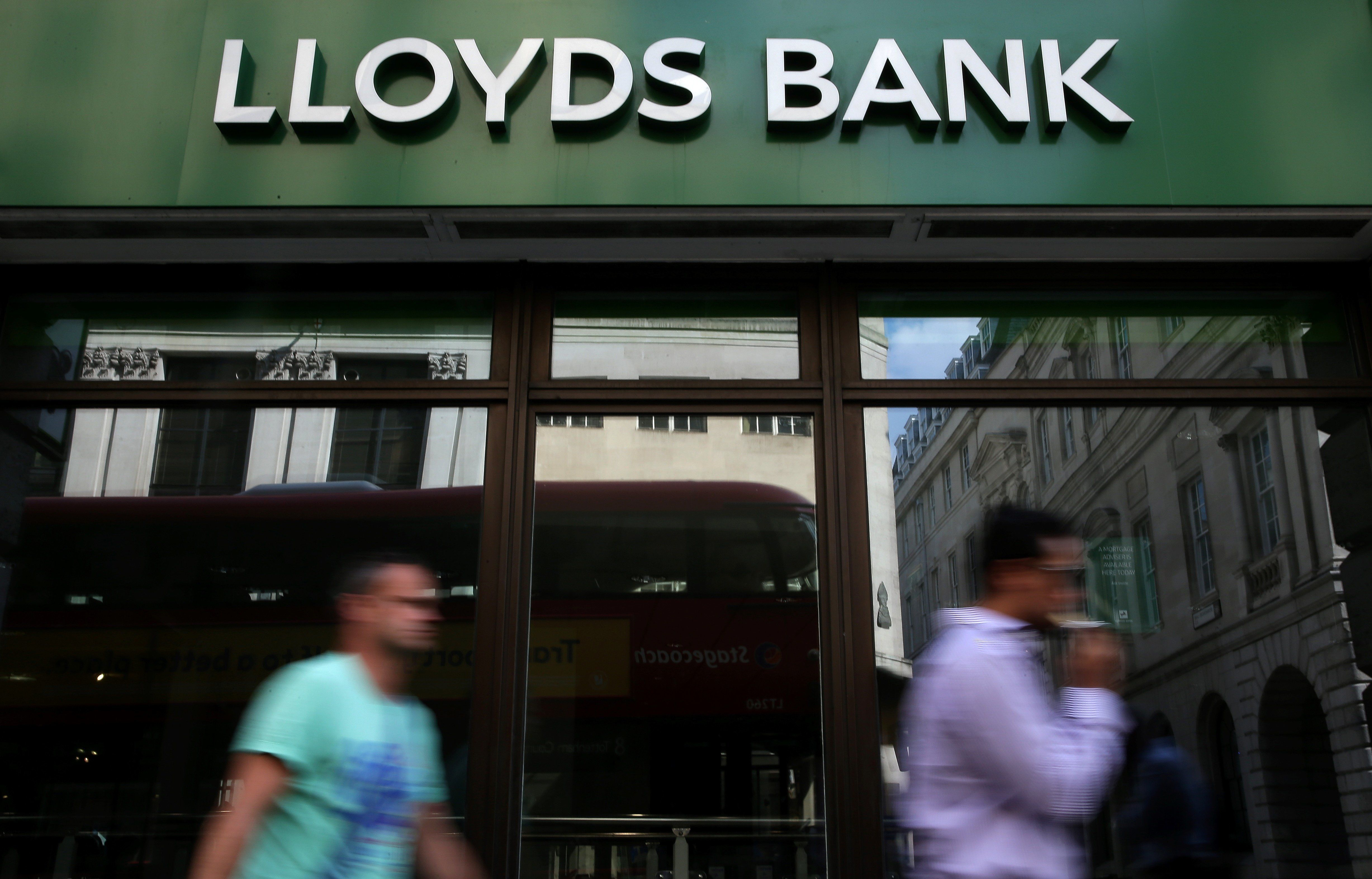 Lloyds Banking Group To Axe 6,200 Jobs As Part Of Digital