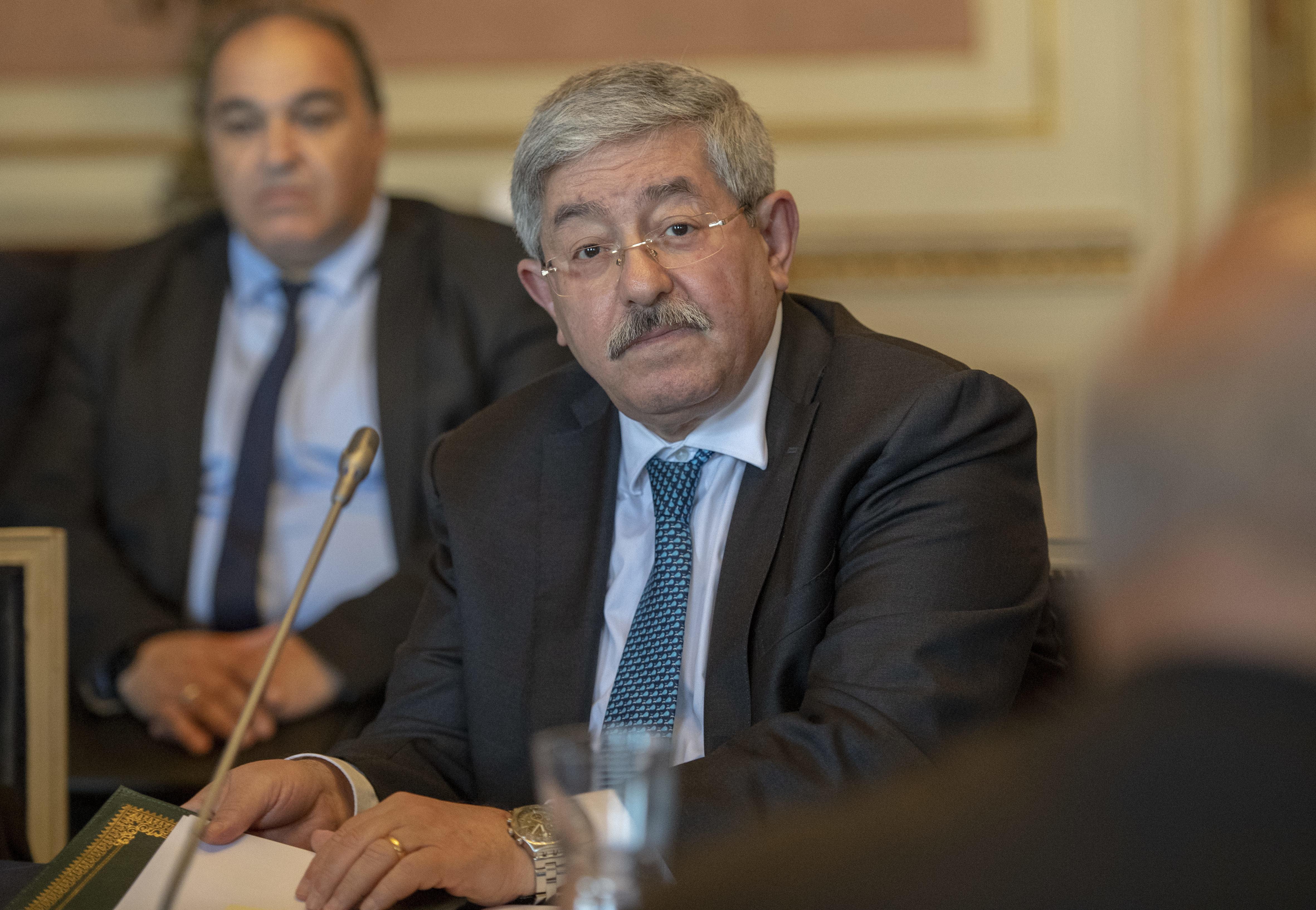 """Le RND défend Ouyahia des critiques de son """"subordonné"""" Tayeb Louh"""
