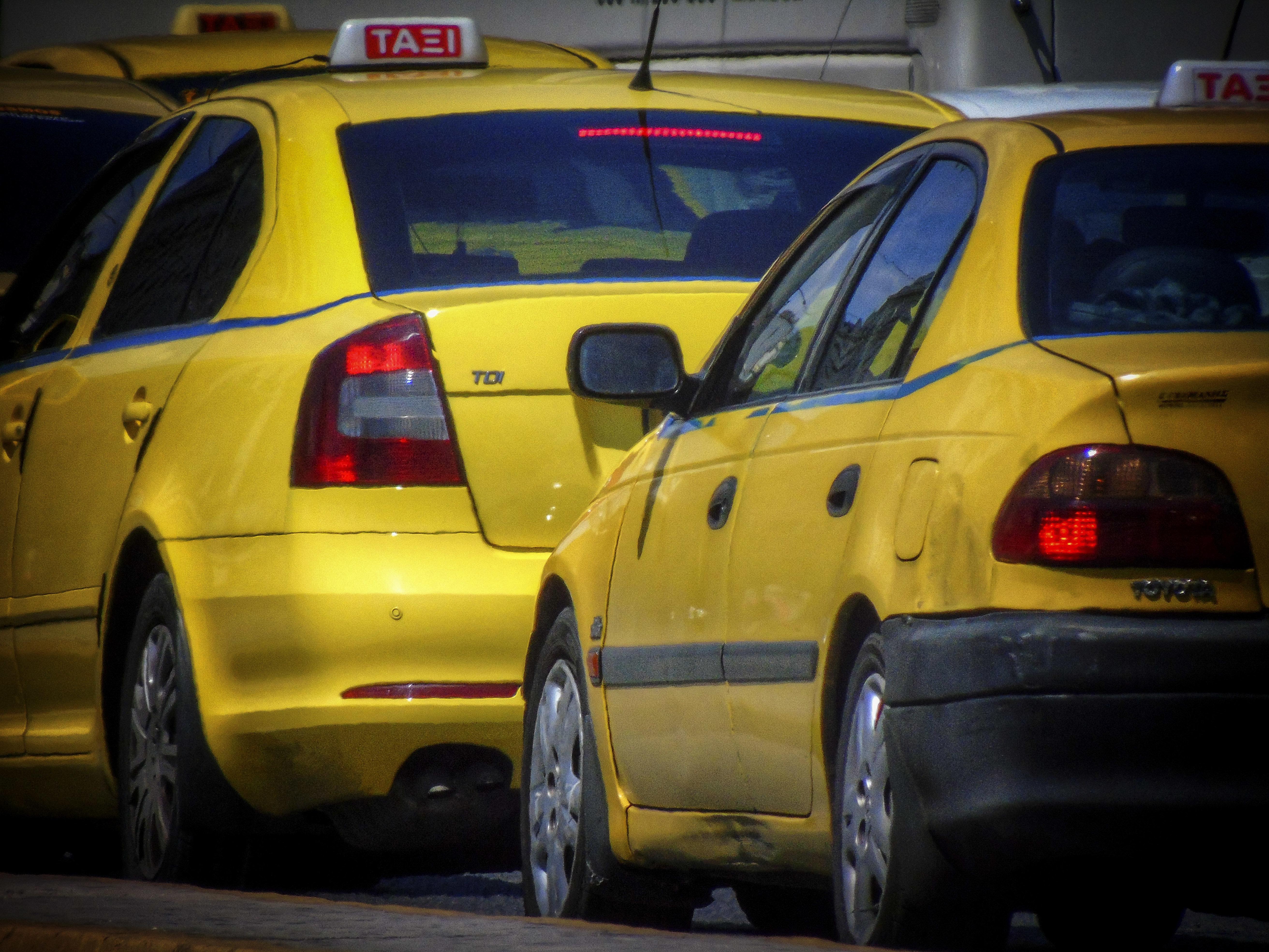 Χωρίς ταξί την Πέμπτη η χώρα -Με 12ωρη στάση υπερασπίζονται οι οδηγοί τον