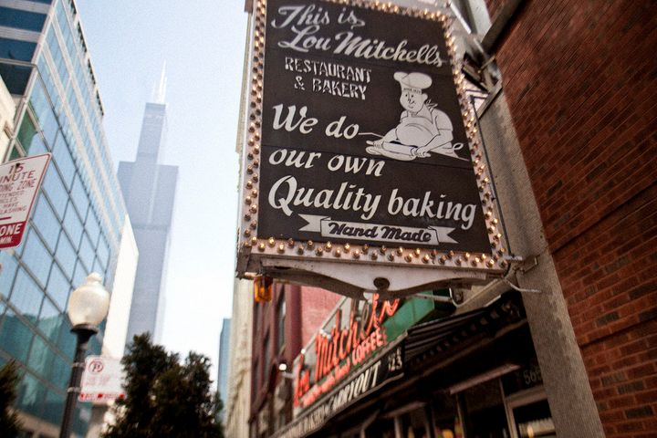 Chicago's Oldest Restaurants: 10 Vintage Eateries That Only