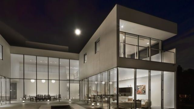 Hinsdale Modern Mansion: Minimal Suburban Luxury Hits The