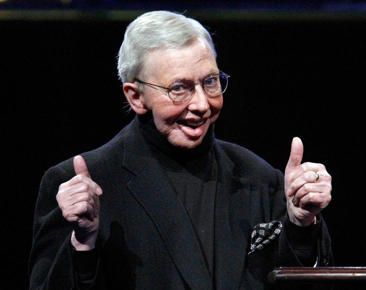 LAS VEGAS - APRIL 02:  Film critic Roger Ebert accepts the ShoWest Career Achievement in Film Journalism Award at the Paris L
